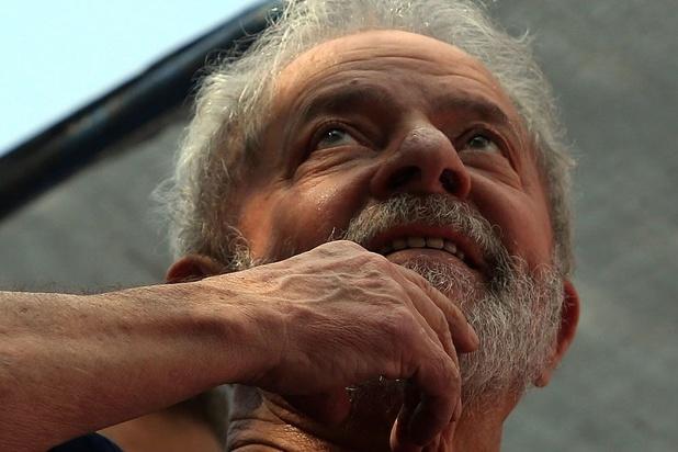 """Pour Lula, """"Bolsonaro ne fait rien. Il détruit"""""""
