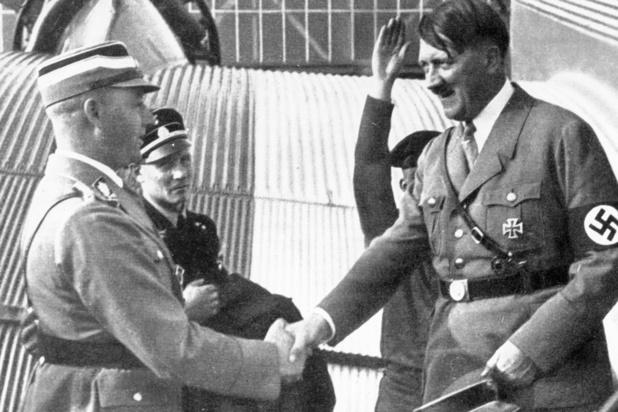 Allemagne: des effets personnels d'Hitler et de dirigeants nazis vendus des centaines de milliers d'euros