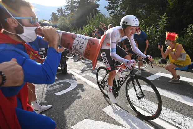 Tour de France: À 21 ans, Pogacar terrasse Roglic et s'empare du maillot jaune à la veille de l'arrivée