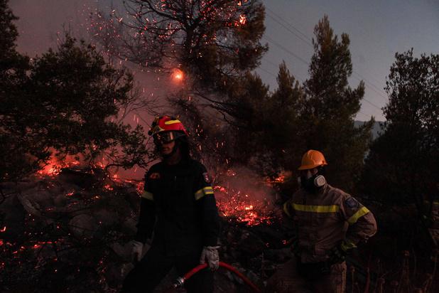 Grèce: important incendie sur l'île d'Eubée, aux frontières de l'Attique