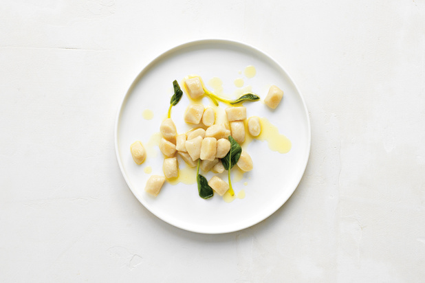 Gnocchi van oud brood met salieboter