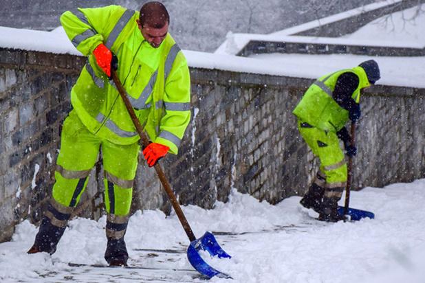 Hevige sneeuwval Frankrijk: honderdduizenden gezinnen zonder stroom