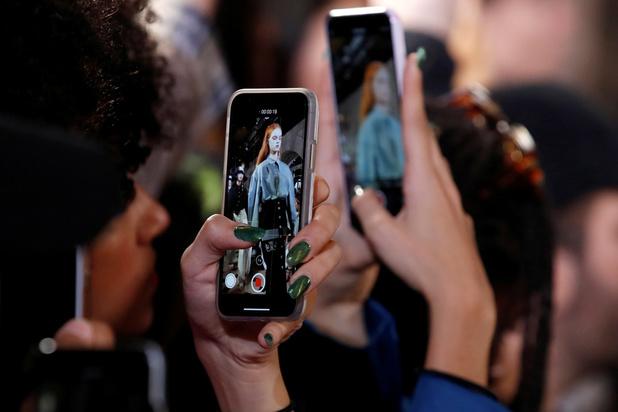 La Fashion week parisienne débute, jeune et numérique