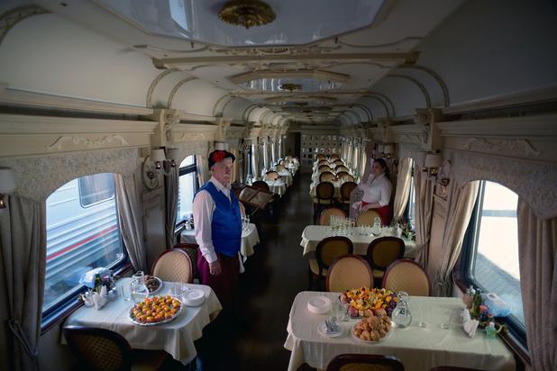 Le premier train touristique traversant l'Arctique russe vient d'être lancé