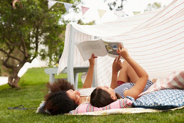Enfants/ados: 15 cahiers d'activités malins pour réviser, s'exprimer, s'amuser cet été