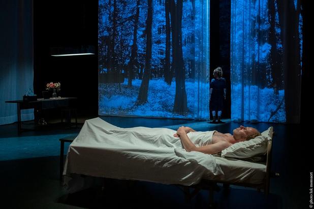 'De dag die komt' toont op Theater aan Zee hoe verplegen (ook) dansen is