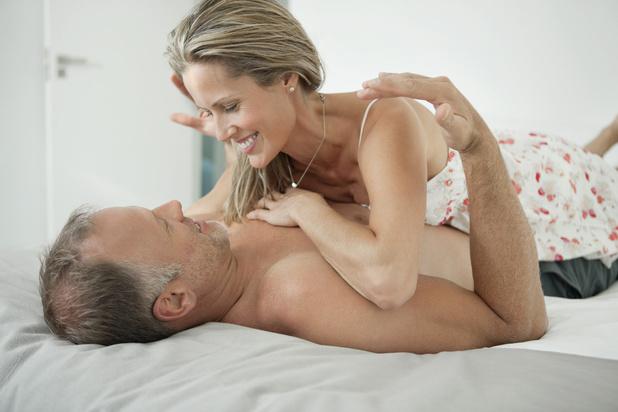 Avoir des rapports sexuels fréquents retarderait la ménopause