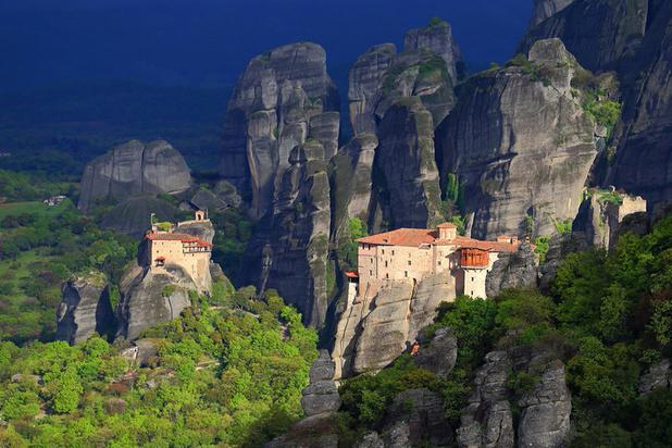 Het meer van Plastiras en Meteora: het meest bijzondere landschap in Griekenland