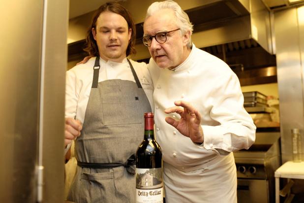 """Le chef star Alain Ducasse promeut le vin """"à la bouteille"""", en pleine Tournée minérale à la française"""