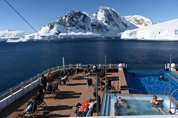 """En Antarctique, des touristes à l'assaut de """"la dernière frontière"""" (en images)"""