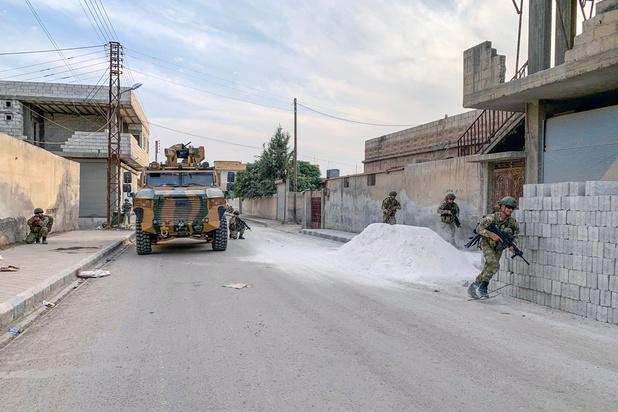 Ankara et les forces kurdes s'accusent mutuellement de violer la trêve dans le nord syrien
