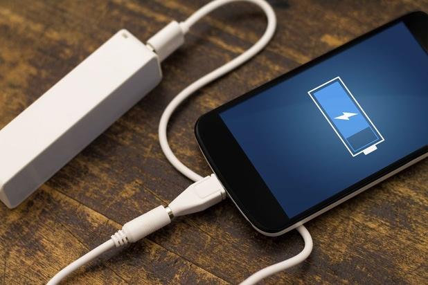 Smartphone: les règles de sécurité pour le recharger