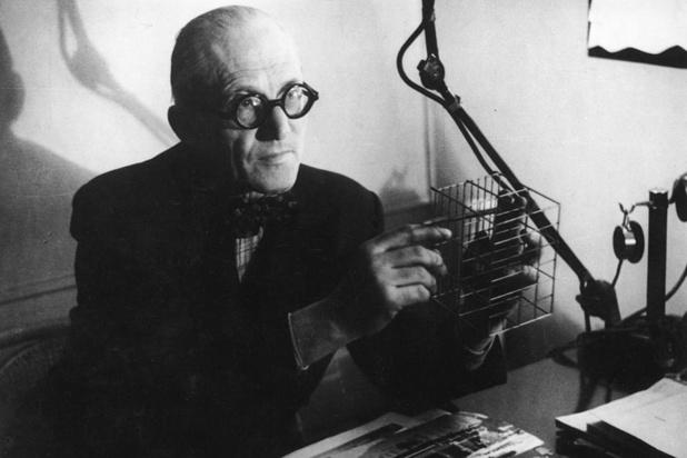Le passé fascisant de l'architecte Le Corbusier fait polémique en France