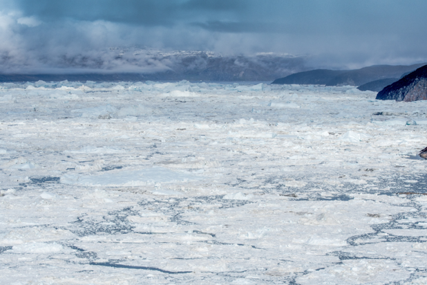 Malgré la fonte des glaces, le plus grand glacier du Groenland s'est épaissi !