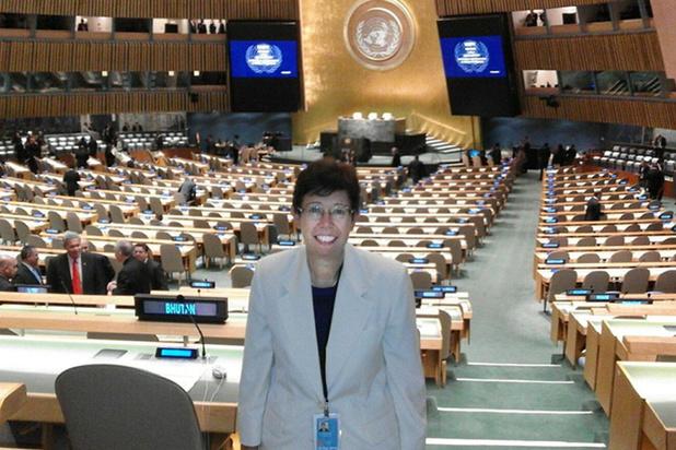 Primeur in het Vaticaan: vrouw krijgt bestuursfunctie bij staatssecretariaat