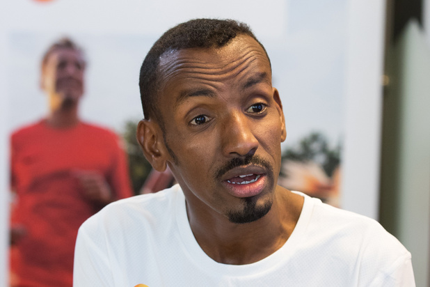 Bashir Abdi verbetert eigen Belgisch record op de marathon in Chicago