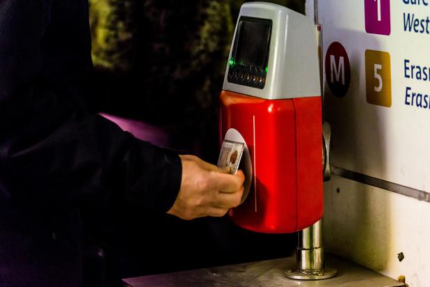 Stib: le prix du ticket papier augmentera et le paiement sans contact sera lancé