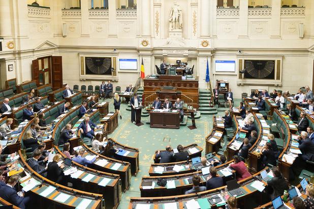 Avortement : le PS demande l'inscription de la loi à la prochaine séance plénière