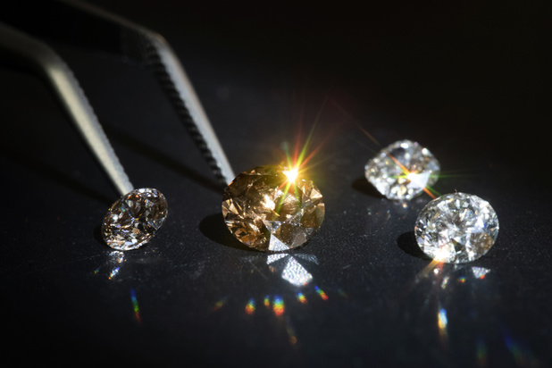 Des diamants de laboratoire français pour la première fois dans une collection d'un bijoutier de la place Vendôme