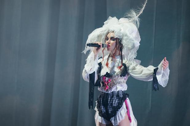 FKA twigs liet de show primeren op de muziek in het Koninklijk Circus