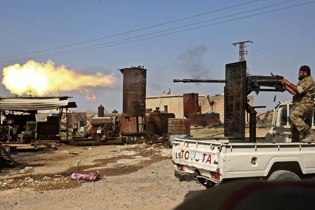Syrie: fuite près de 800 proches de membres de l'EI d'un camp, durant les violents combats