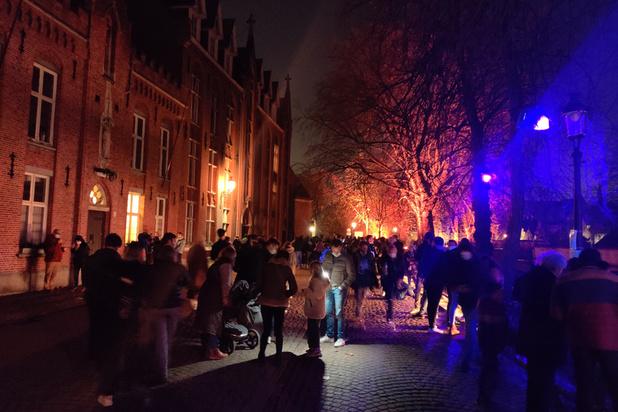 Covid: trop de monde à Bruges et Bruxelles
