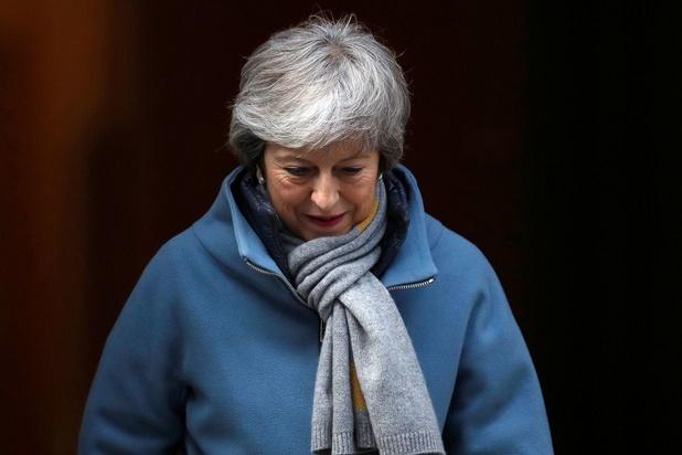 Brits premier May verdedigt gesprekken met Labour: 'Er was een nieuwe aanpak nodig'