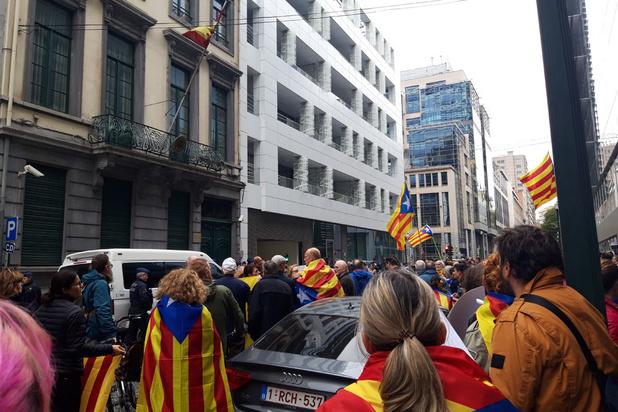 Quelque 300 manifestants à Bruxelles en soutien aux indépendantistes catalans condamnés