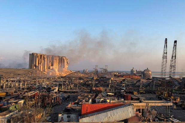 Beyrouth en deuil au lendemain des explosions ayant fait plus de 100 morts et des milliers de blessés
