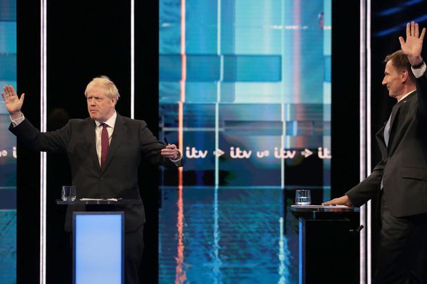 """""""Optimisme"""" vs. """"honnêteté"""": débat tendu entre Johnson et Hunt"""
