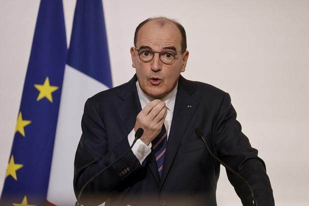 France: extension du couvre-feu à 18h00, le variant britannique inquiète