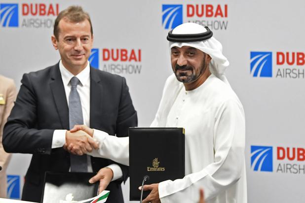 Emirates commande 50 Airbus 350-900 pour 16 milliards de dollars