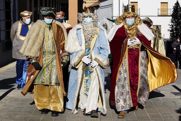 En Espagne, les Rois mages innovent pour parader comme le veut la tradition, malgré la pandémie (en images)