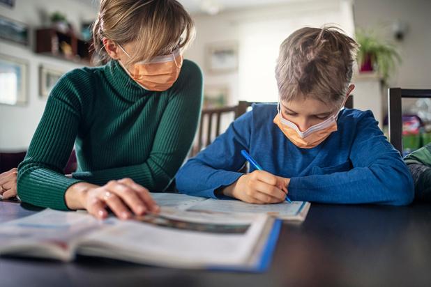 Coronavirus : comment éviter les contaminations dans le cercle familial ?