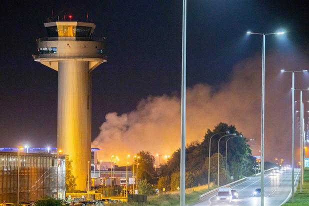 Aéroport de Liège: l'incendie est sous contrôle