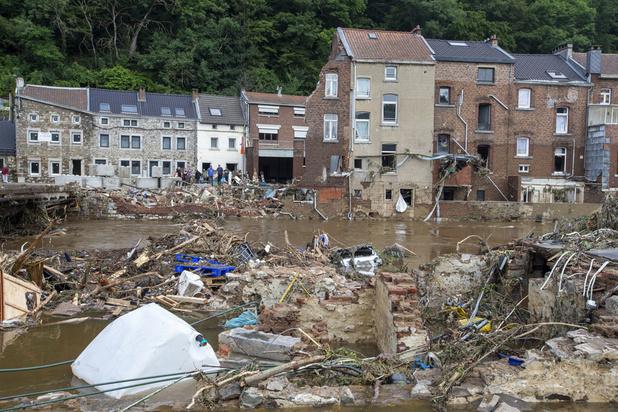 Dodental noodweer stijgt tot 36, Verlinden belooft 'grondige evaluatie' hulpdiensten