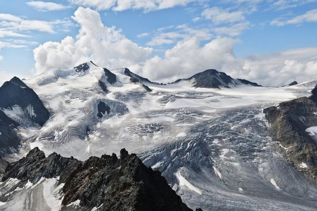 Lokale bevolking protesteert tegen aanleggen skipistes op Oostenrijke gletsjer