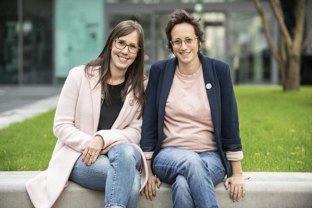 Tineke en Elise Vanhecke over hun overleden mama Bernadette 'Superdetje' Werbrouck