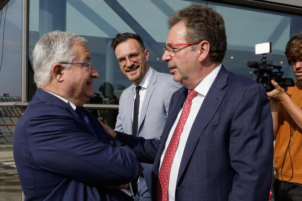 Brusselse oppositiepartijen streng voor nieuw regeerakkoord