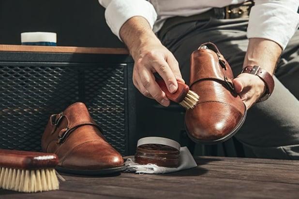 Conseils et astuces pour prendre soin de vos chaussures et sacs en cuir