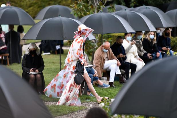 À Paris, la mode cherche à rassurer