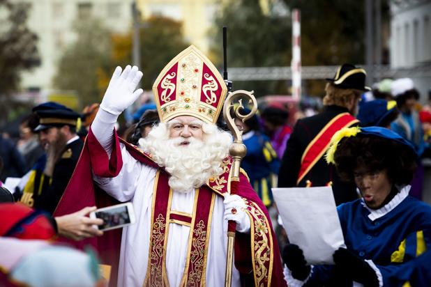 'De Vlaamse regering speelt Sinterklaas (en kijkt de andere kant op)'