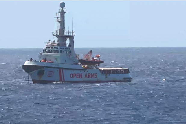 Italiaans gerecht beveelt ontscheping migranten op humanitair schip Open Arms