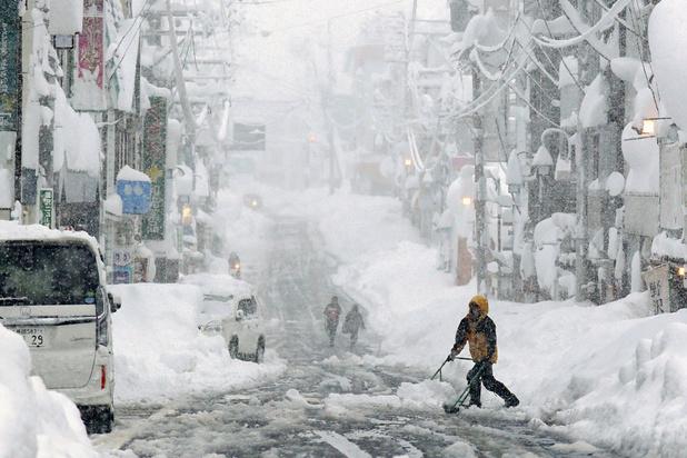 Chutes record de neige au Japon (en images)