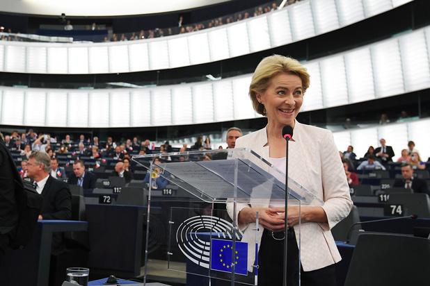 Ursula von der Leyen zéér nipt verkozen tot eerste vrouwelijke voorzitter Europese Commissie