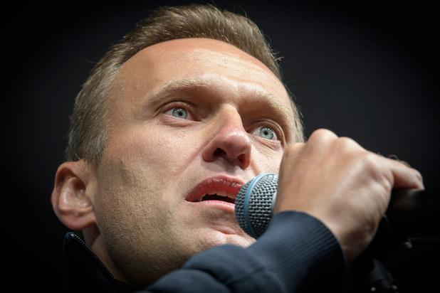 """L'opposant russe Alexeï Navalny présente """"des traces d'empoisonnement"""""""