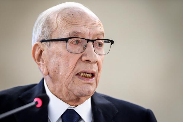 """Tunisie: le président Essebsi en état """"critique"""" mais après un """"grave malaise"""""""