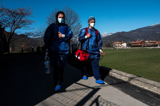 """Italie: """"désastre"""" dans la vaccination en Lombardie"""