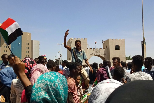 Soedan: burgerregering moet beslissen over uitlevering Bashir aan Internationaal Strafhof