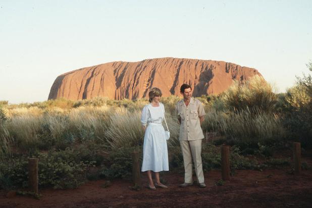 L'interdiction prochaine d'accéder à l'Uluru provoque une ruée de touristes sur ce rocher sacré